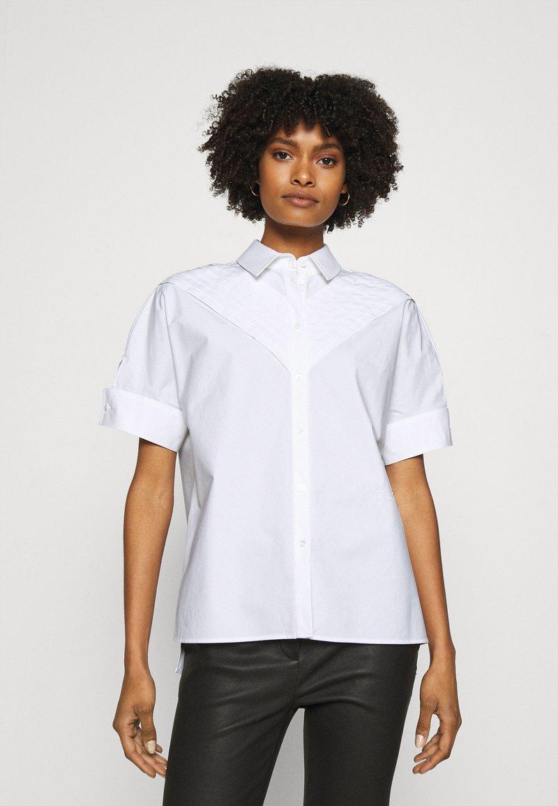 KARL LAGERFELD - PLEAT TUCK  - Button-down blouse - white