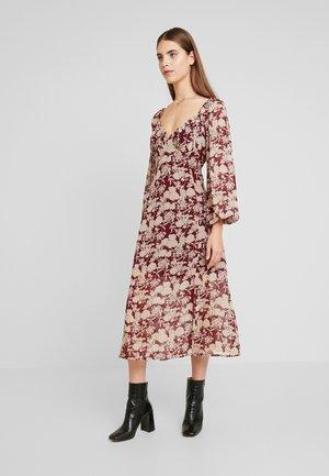 MILKMAID MIDAXI DRESS - Maxikjole - burgundy