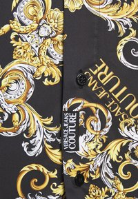 Versace Jeans Couture - PRINT LOGO NEW - Shirt - nero - 7