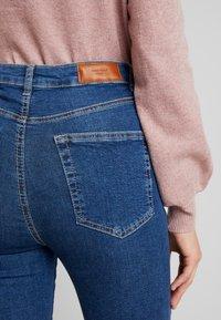 Vero Moda - VMSANDRA - Jeans Skinny Fit - medium blue denim - 5