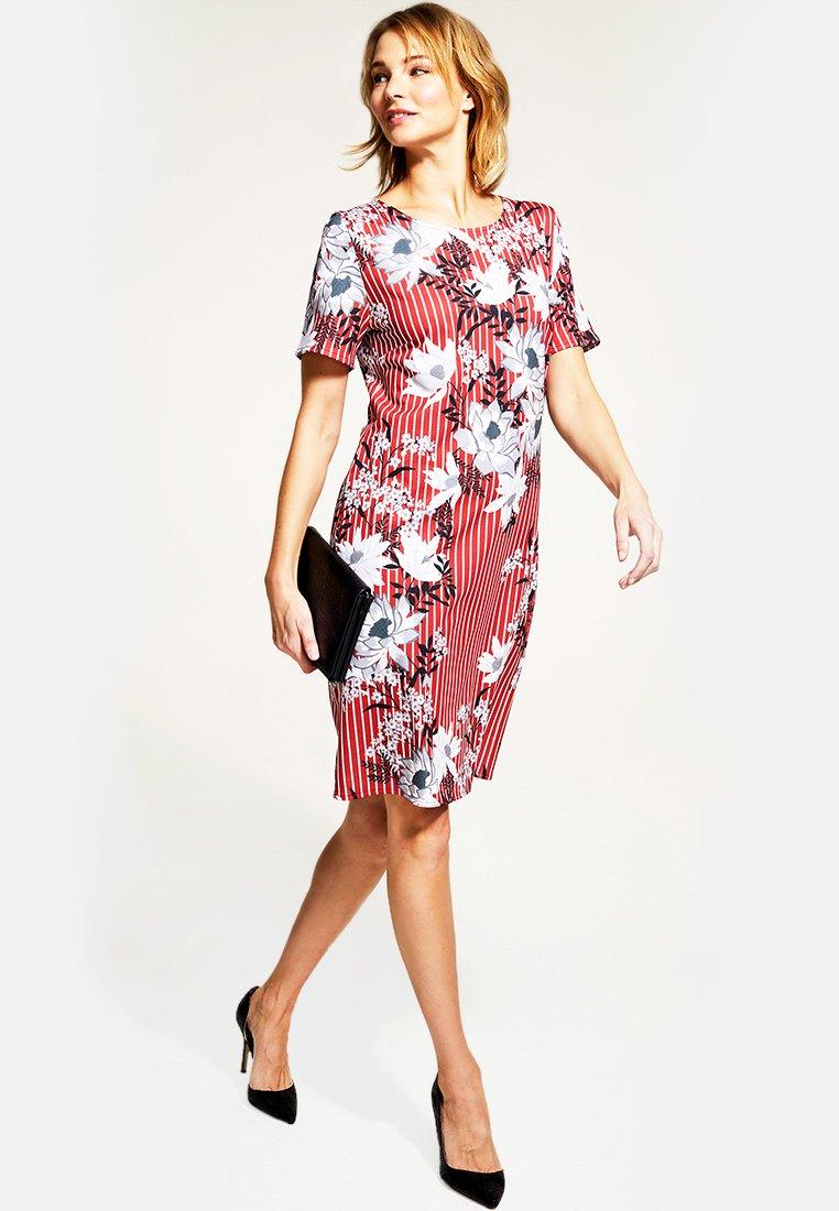 Perfect Women's Clothing HotSquash RIVERA Day dress red/white BzrhQ4fLV