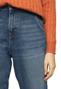 ONLY - ONLTROY LIFE CARROT - Relaxed fit jeans - medium blue denim - 3