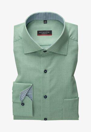 MODERN FIT - Shirt - grün weiss