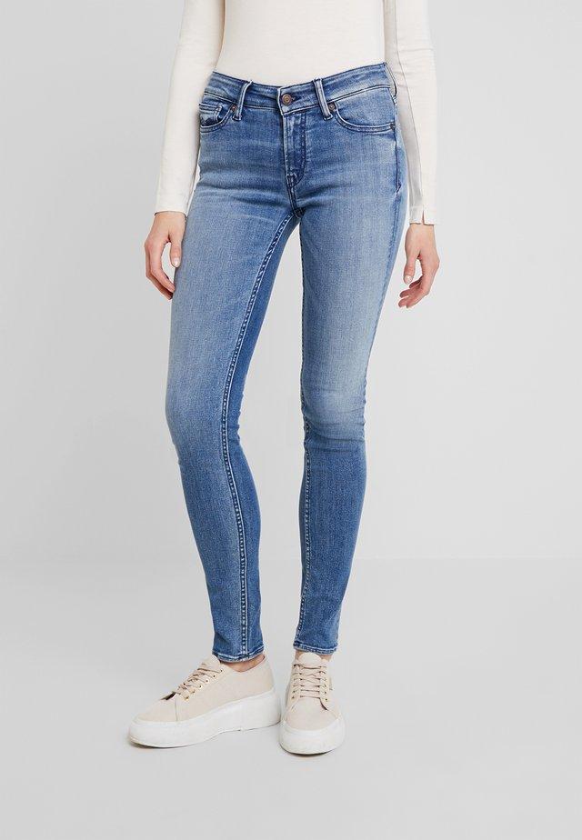 JUNO - Jeans slim fit - blue