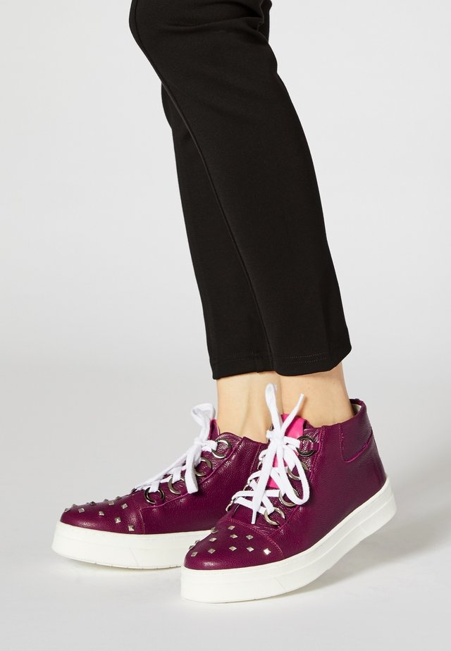 Sneakers hoog - dark purple