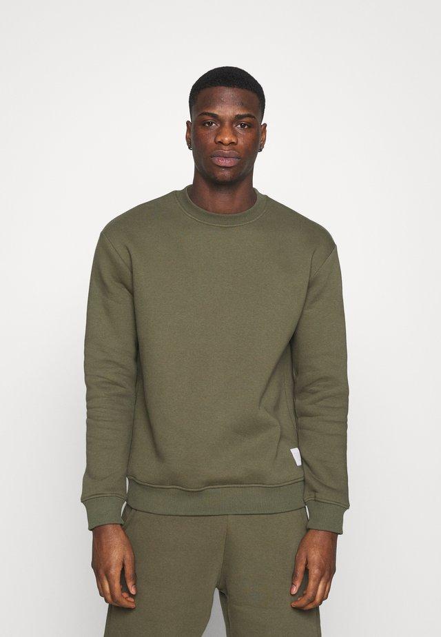 MUFTI MITU CREW - Sweater - army