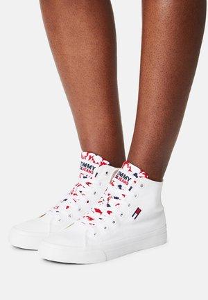 MID CUT VULC - Zapatillas altas - white