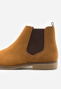 Topman - SPARK CHELSEA - Classic ankle boots - tan - 5