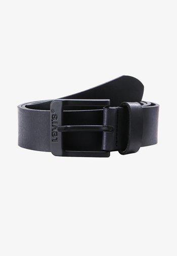 FREE - Pásek - regular black