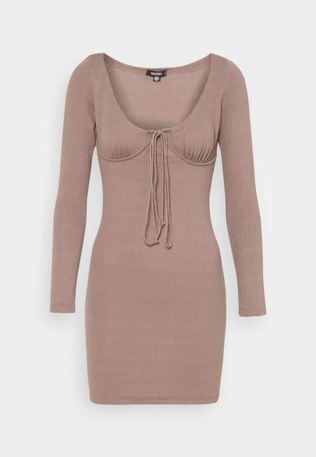 DRAWSTRING TIE BUST MINI DRESS - Gebreide jurk - brown