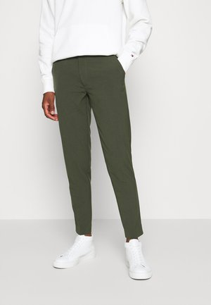 CLUB PANTS - Tygbyxor - army