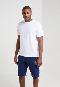 Filippa K - SINGLE CLASSIC TEE - Jednoduché triko - white - 0