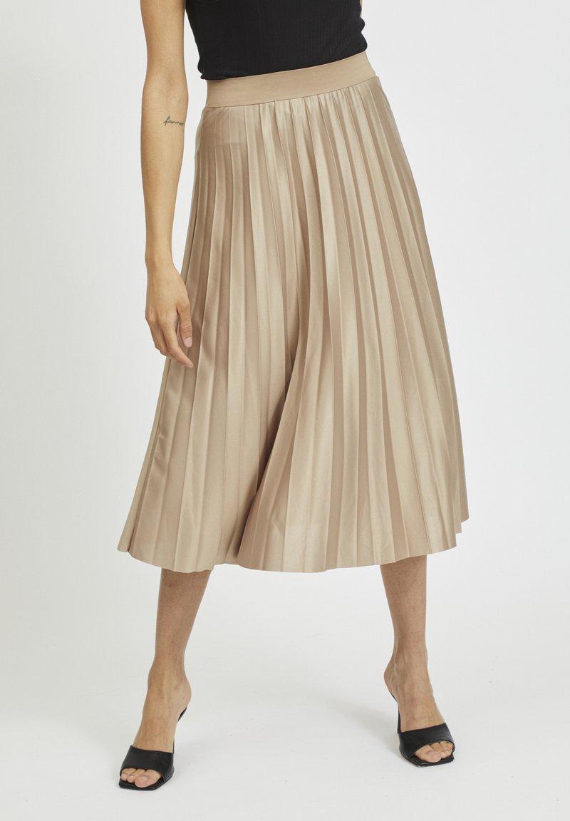 Vila - Pleated skirt - sandshell