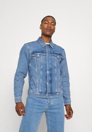 PRIDE GRAPHIC JACKET UNISEX - Giacca di jeans - blue denim