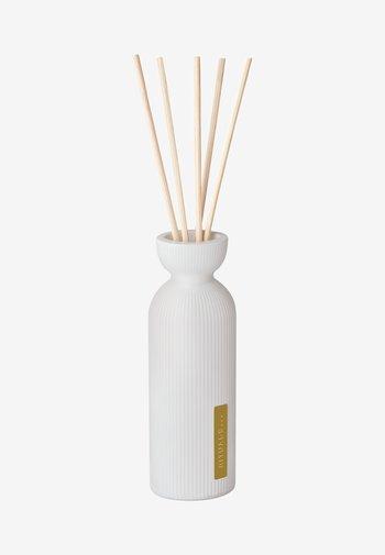THE RITUAL OF KARMA MINI FRAGRANCE STICKS - Home fragrance - -