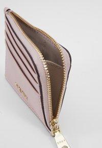 DKNY - MILA EW CARD HOLDER - Lommebok - light pink - 4