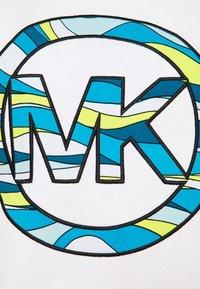 MICHAEL Michael Kors - GRAPHIC  - Print T-shirt - white - 5