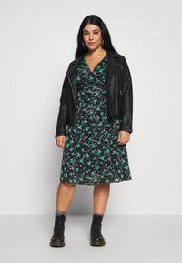 Lost Ink Plus - PRINTED KIMONO WRAP SLEEVE DRESS - Day dress - multi - 1