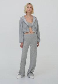 PULL&BEAR - Zip-up sweatshirt - grey - 1