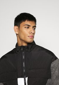 Mennace - DOUBLE POCKET BORG ZIP THRU - Summer jacket - grey - 3