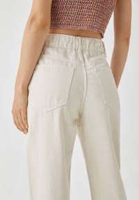 PULL&BEAR - Jeans a sigaretta - white - 5