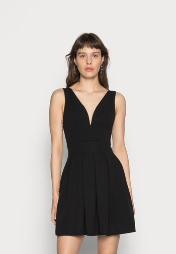 V NECK SKATER - Vestido ligero - black