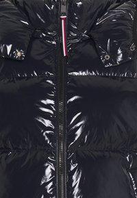 Tommy Hilfiger - HIGH GLOSS PUFFER - Down jacket - desert sky - 2
