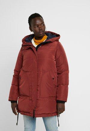 Płaszcz puchowy - madder brown