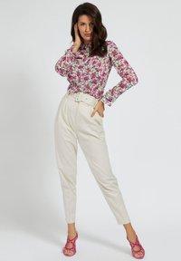 Guess - CLOUIS  - Button-down blouse - mehrfarbe rose - 1