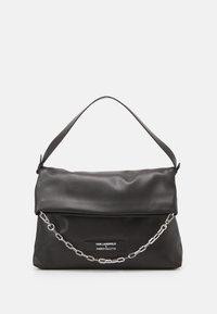 KARL LAGERFELD - SUSTAINABLE AMBER VALLETTA KLXAV FOLDED TOTE - Handbag - black - 1
