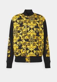 Versace Jeans Couture - FLEECE PRINT LOGO BAROQUE  - Zip-up hoodie - black - 0