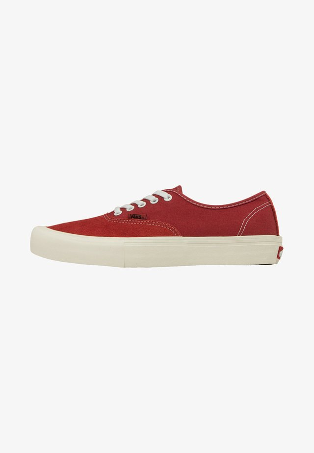 AUTHENTIC PRO - Trainers - mineral red/marshm