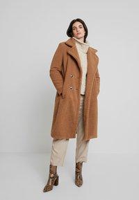 Derhy - GAGNANTE - Classic coat - camel - 0