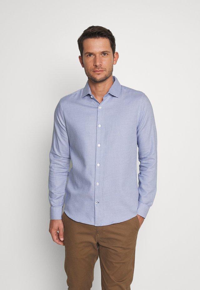 COLOUR DOBBY - Camisa - blue