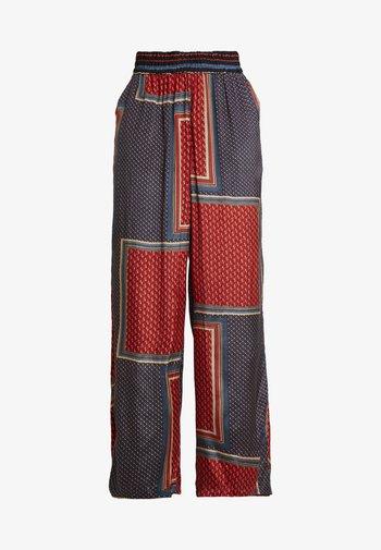 MEDA WIDE PANTS - Kalhoty - orion blue