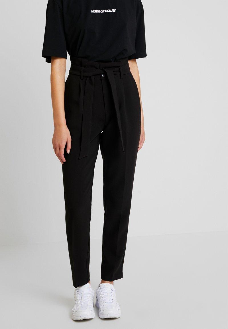 ONLY - ONLYARROW BELT PANT - Stoffhose - black