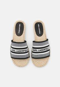 KARL LAGERFELD - KAMINI SLIDE - Mules - white/black - 4
