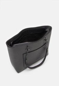 Dorothy Perkins - SLIP POCKET CHAIN HANDLE - Handbag - dark grey lizard/gunmetal - 2