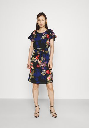 VIDIANA FLOUNCE DRESS - Vestido informal - black/black tropical print