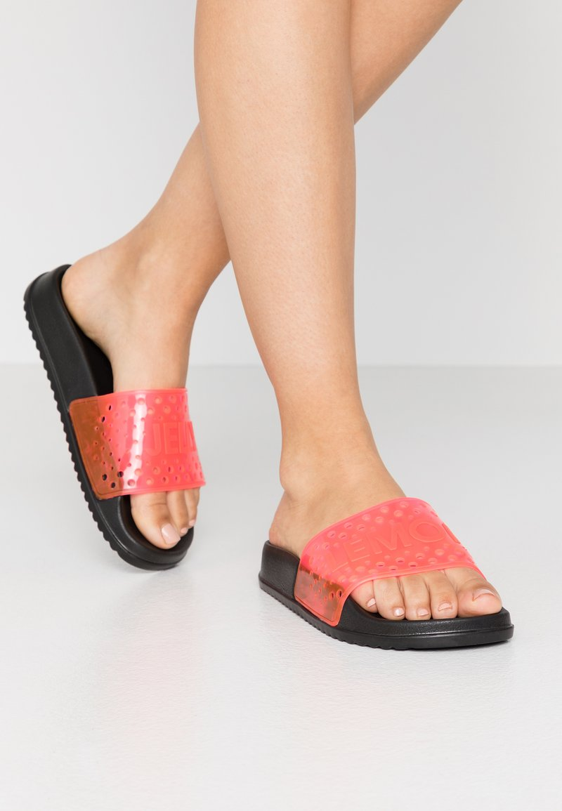 LEMON JELLY - EVIE - Sandály do bazénu - black/neon pink