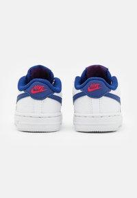 Nike Sportswear - FORCE 1 UNISEX - Baskets basses - white/deep royal blue/universiyt red - 2
