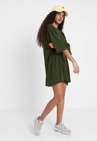 Weekday - HUGE - Jersey dress - green dark - 1