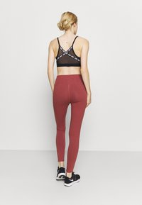 Under Armour - FAVORITE LEGGING HI RISE - Leggings - cinna red - 2