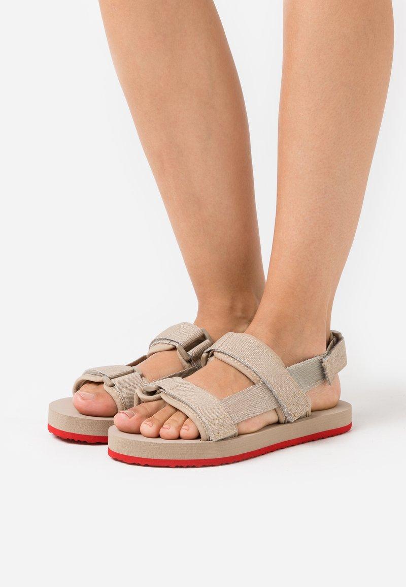 Vero Moda - VMTELNA  - Sandalen - nude
