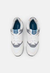 Jack & Jones - JFWATTAK - Sneakers - white - 3