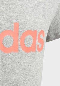 adidas Performance - ESSENTIALS LINEAR T-SHIRT - T-shirt z nadrukiem - grey - 3
