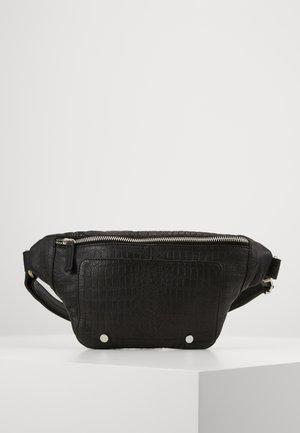 ALBERTE BUMBAG - Bæltetasker - black