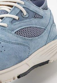 Hi-Tec - X-PRESS LOW WOMENS - Løbesko walking - dusty blue/flinstone - 5