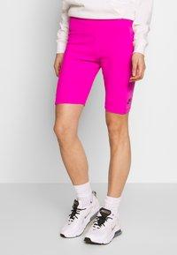 Nike Sportswear - W NSW AIR BIKE - Kraťasy - fire pink - 2