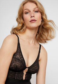 Maidenform - WIRELESS CUP FIRM FOUNDATIONS - Body - black - 4